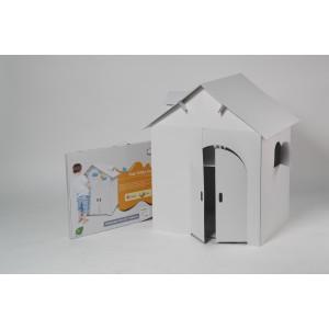 Картонный белый домик